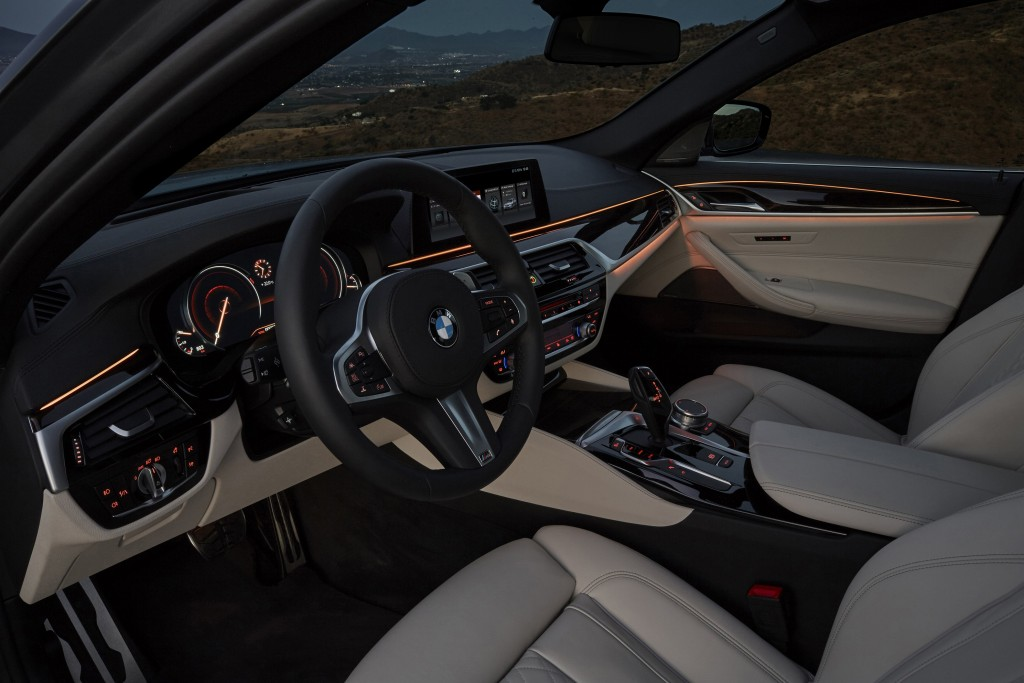 P90237280_highRes_the-new-bmw-5-series