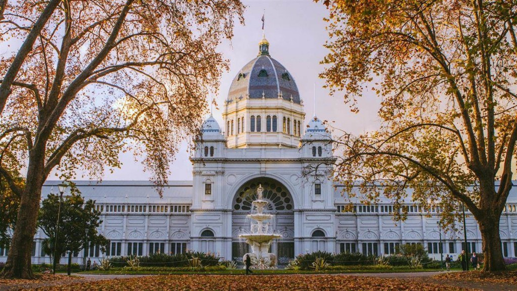 royal-exhibition-building-autumn_mel_r_credit-roberto-seba_1413882_1900x600